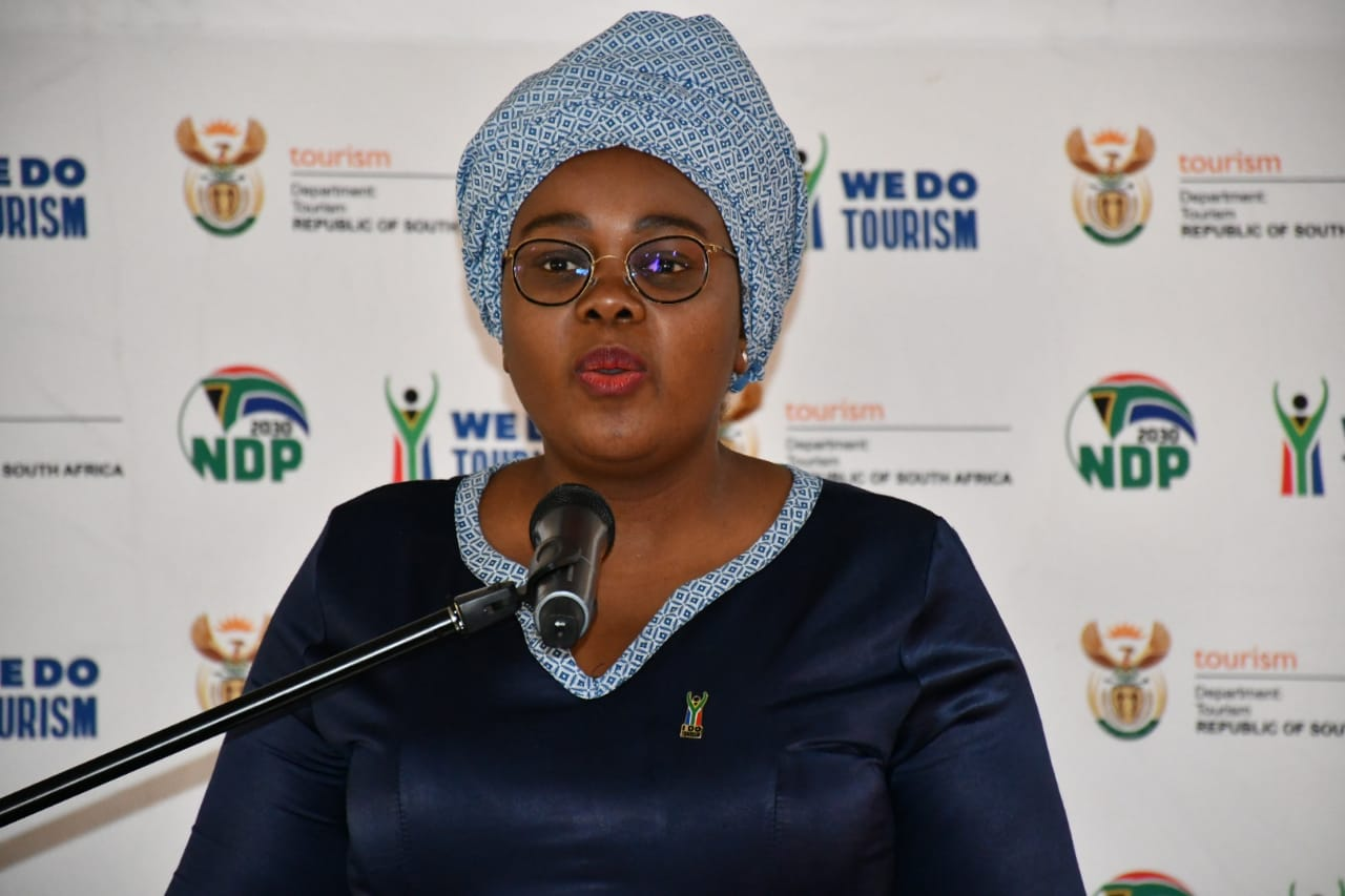 Minister Mmamoloko Kubayi-Ngubane meets with the Mpumalanga tourism stakeholders and the community on growing the Industry